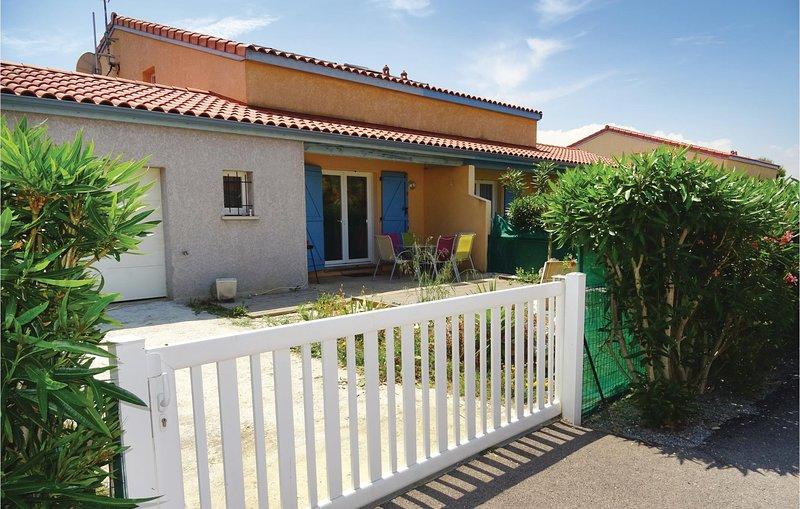 Nice home in Torreilles - Plage with WiFi and 2 Bedrooms (FLP109), vacation rental in Saint-Laurent-de-la-Salanque
