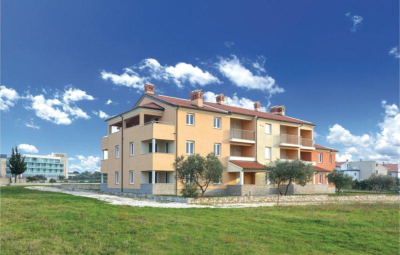 Stunning home in Alberi with WiFi and 1 Bedrooms (CIU669), alquiler de vacaciones en Crveni Vrh