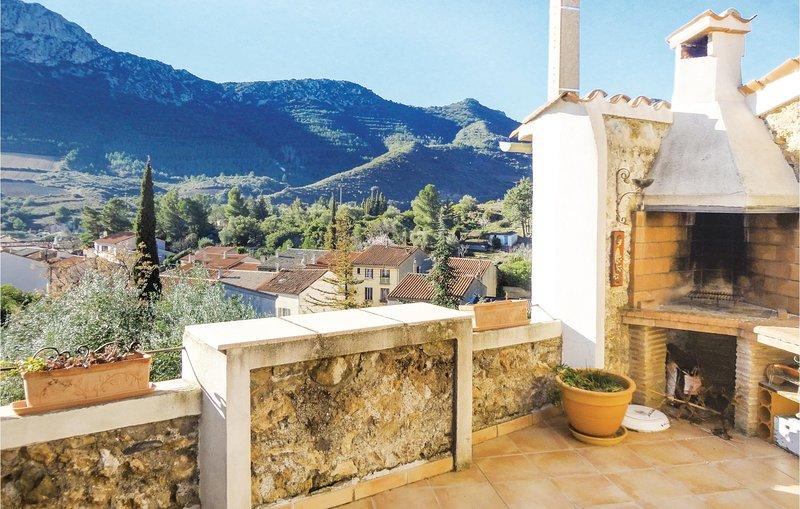 Nice home in Maury with 3 Bedrooms (FLP133), location de vacances à Latour-de-France