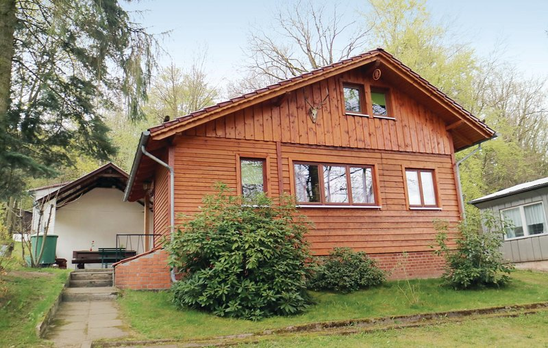 Stunning home in Wutha-Farnoda,Mosbach with 2 Bedrooms (DTH205), vacation rental in Hoerselberg-Hainich