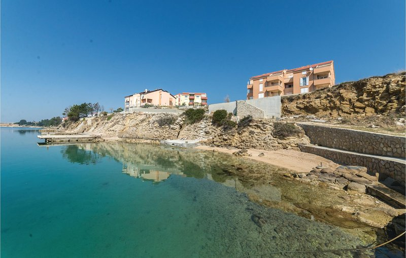 Amazing home in Vlasici with WiFi and 1 Bedrooms (CKP620), location de vacances à Vlasici