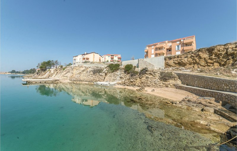 Awesome home in Vlasici with WiFi and 1 Bedrooms (CKP619), location de vacances à Vlasici