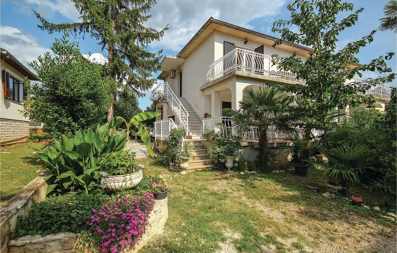 Awesome home in Lovrecica with 2 Bedrooms (CIU766), holiday rental in Lovrecica