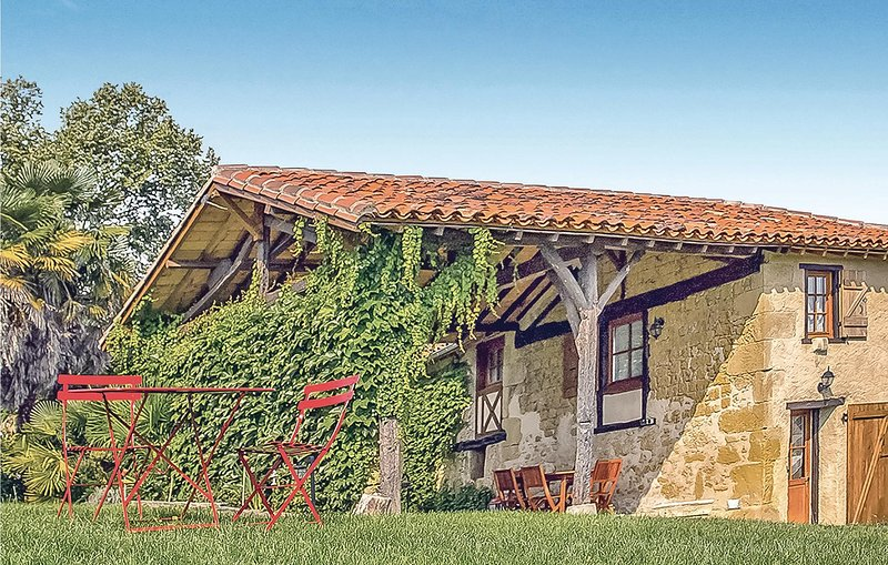 Stunning home in Masseube with Sauna, WiFi and Outdoor swimming pool (FMG006), holiday rental in Monlaur-Bernet