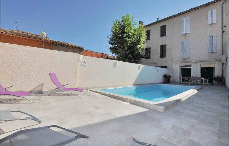 Beautiful home in Bize Minervois with Sauna, WiFi and 4 Bedrooms (FLA026), holiday rental in Saint-Jean-de-Minervois