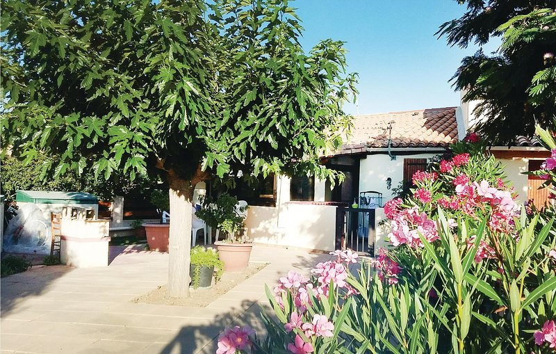 Stunning home in Port La Nouvelle with WiFi and 2 Bedrooms (FLA179), holiday rental in Port La Nouvelle