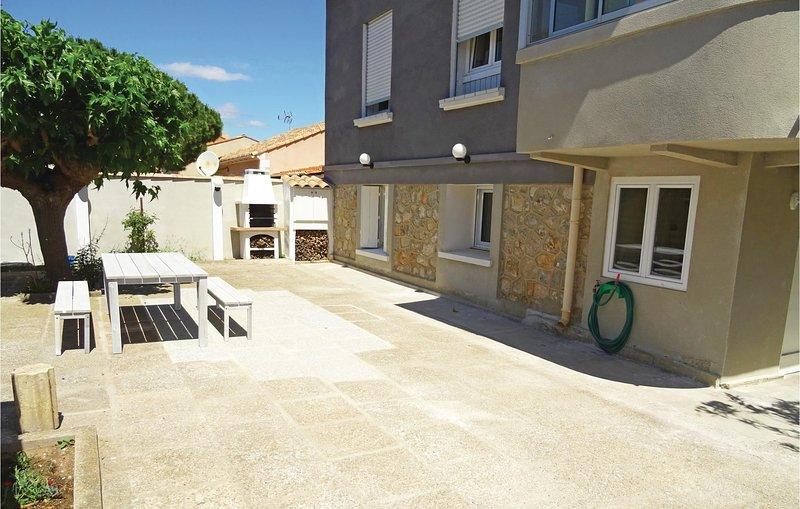Amazing home in Vinassan with WiFi and 1 Bedrooms (FLA200), alquiler vacacional en Salles d'Aude
