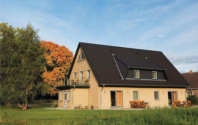 FeWo Schloss Putbus (DMV625), holiday rental in Loitz