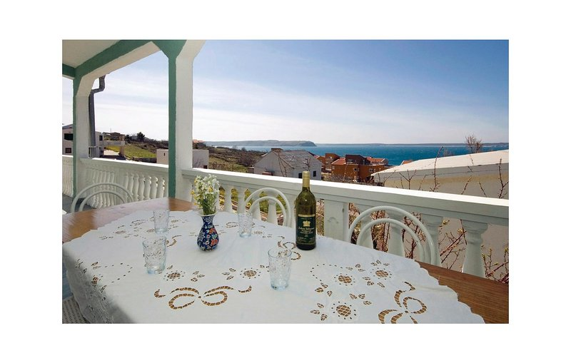 Beautiful home in Rtina with 2 Bedrooms (CDZ247), holiday rental in Rtina
