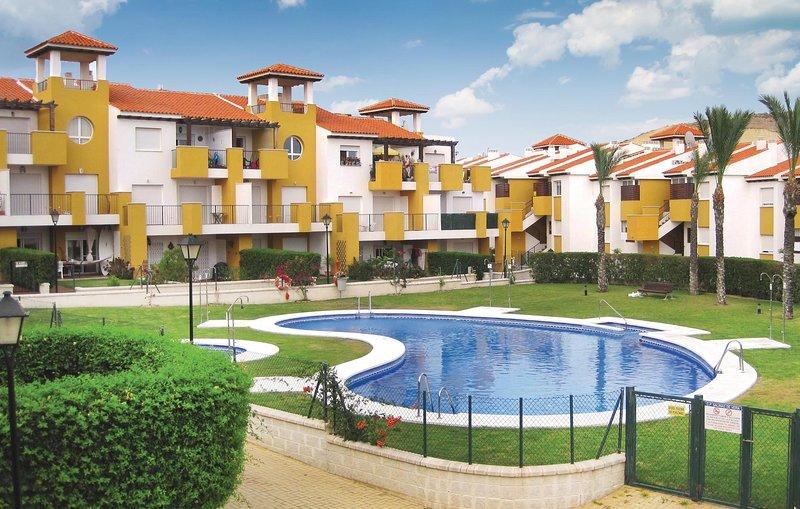 Stunning home in Vera Playa with 2 Bedrooms (EAM004), vacation rental in Cuevas del Almanzora