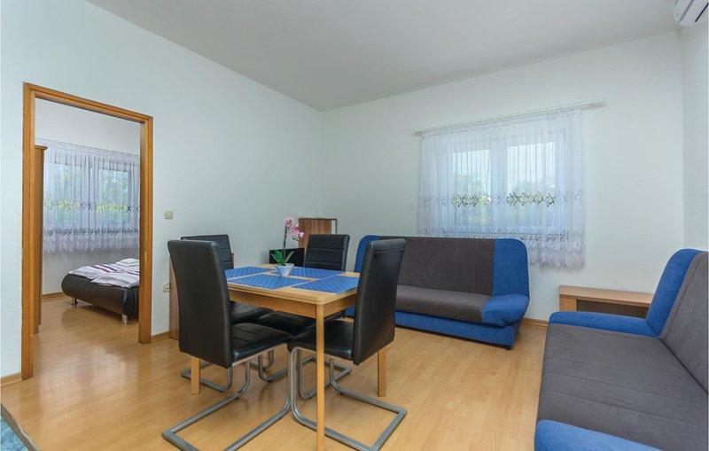 Nice home in Rovinj with WiFi and 1 Bedrooms (CIV526), alquiler vacacional en Rovinjsko Selo