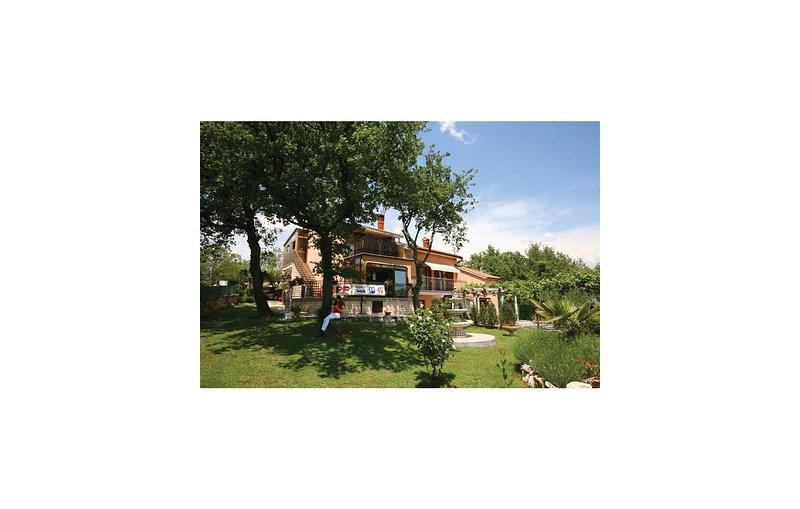 Amazing home in Rovinjsko Selo with WiFi and 3 Bedrooms (CIV499), alquiler vacacional en Rovinjsko Selo