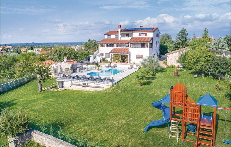 Awesome home in Rovinjsko Selo with Jacuzzi, WiFi and 1 Bedrooms (CIV455), alquiler vacacional en Rovinjsko Selo