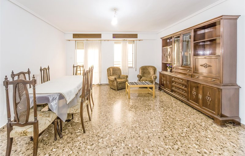 Beautiful home in Sagunto with 4 Bedrooms (EBV039), casa vacanza a Pucol