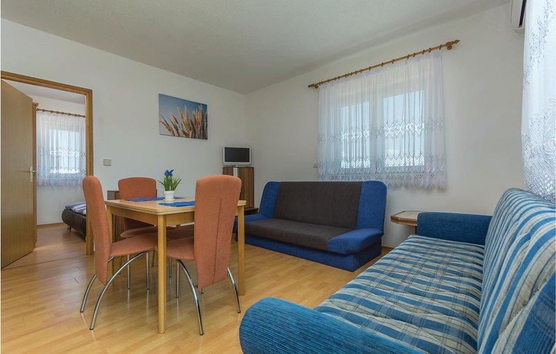 Stunning home in Rovinj with WiFi and 1 Bedrooms (CIV524), alquiler vacacional en Rovinjsko Selo