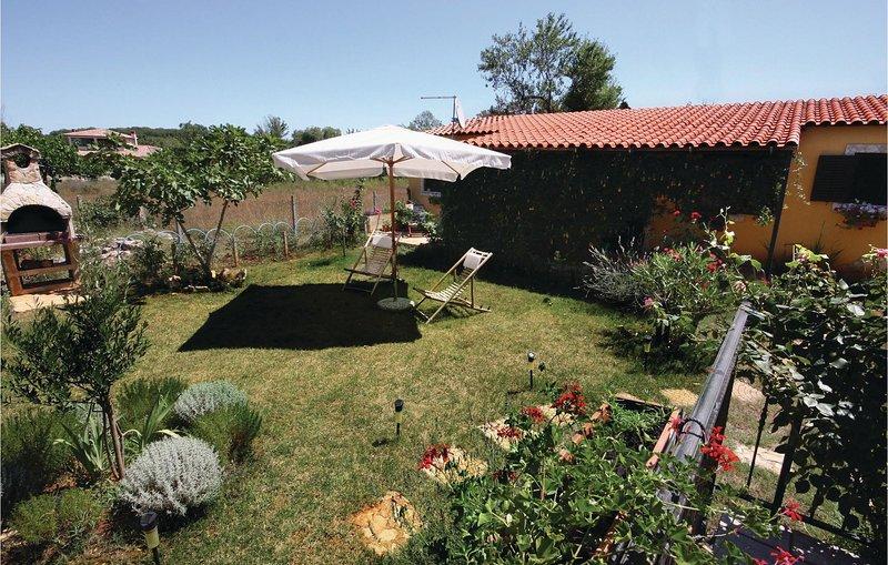 Beautiful home in Liznjan with WiFi and 1 Bedrooms (CIZ260), alquiler de vacaciones en Sisan