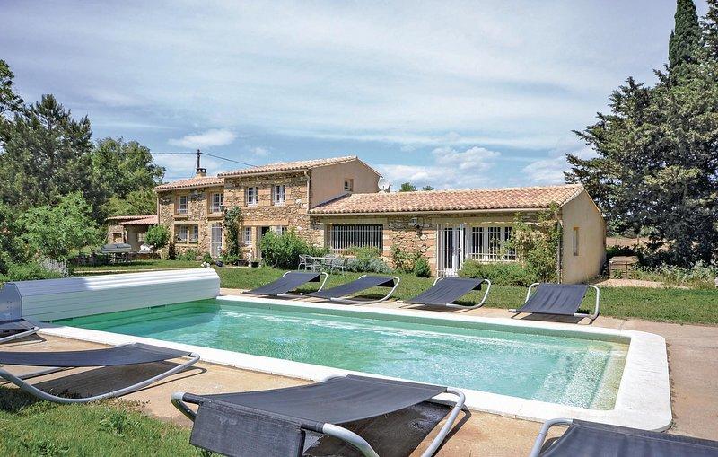 Mooi ingericht Provençaals landhuis (FLG019), holiday rental in Vallabrix