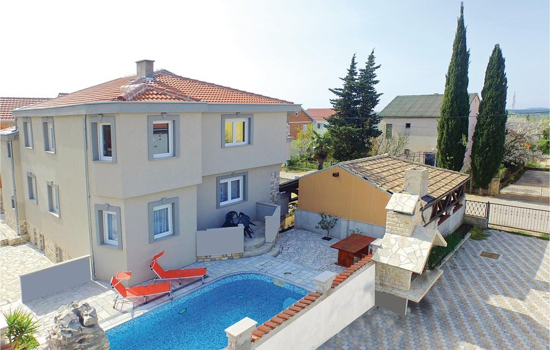 Amazing home in Kakma with WiFi and 8 Bedrooms (CDZ957), holiday rental in Polaca