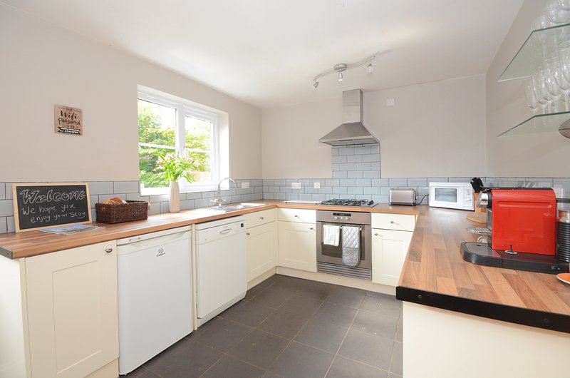 Princess Mews- A 4 Bed Townhouse in York sleeps 10 with FREE Parking, holiday rental in York