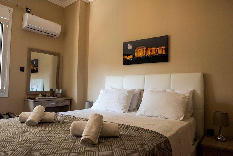 Gazi divine apartment, holiday rental in Tavros