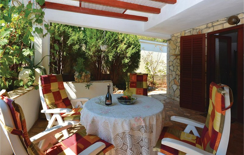 Amazing home in Rudina with WiFi and 1 Bedrooms (CDH546), holiday rental in Rudina