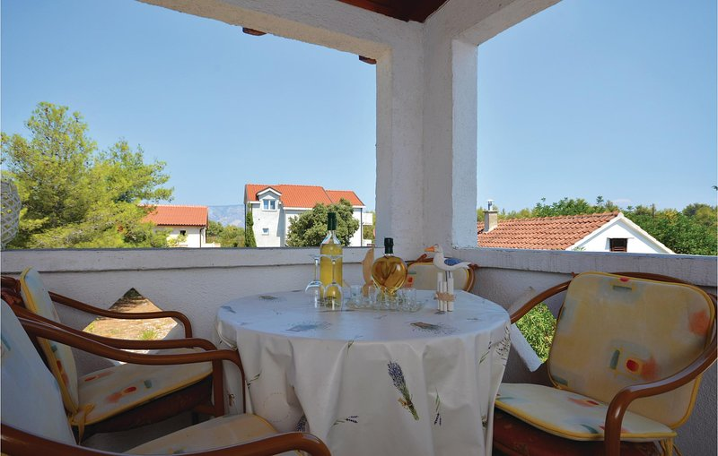Beautiful home in Rudina with WiFi and 1 Bedrooms (CDH548), holiday rental in Rudina