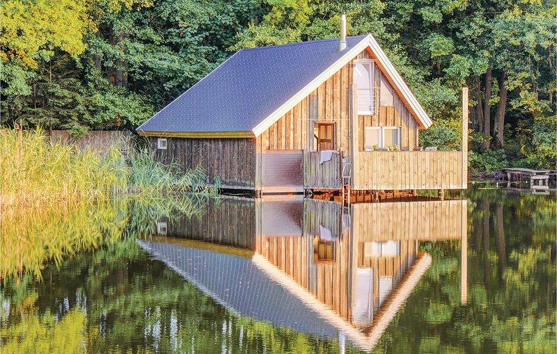 Bootshaus am Tiefen Ziest (DMV187), holiday rental in Muhl Rosin
