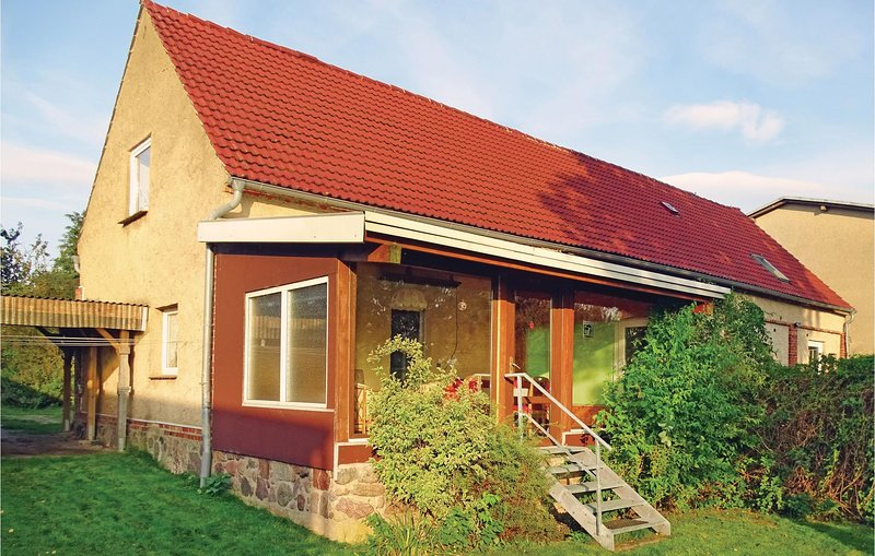 Beautiful home in Rüggow with WiFi and 1 Bedrooms (DMV178), holiday rental in Warin