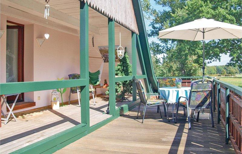 Amazing home in Marlow OT Brünkendorf with 0 Bedrooms (DMV183), location de vacances à Trinwillershagen