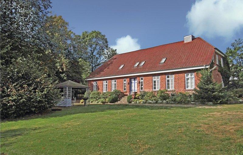 Nice home in Metelsdorf OT Schulenb with 0 Bedrooms (DMV159), location de vacances à Dorf Mecklenburg