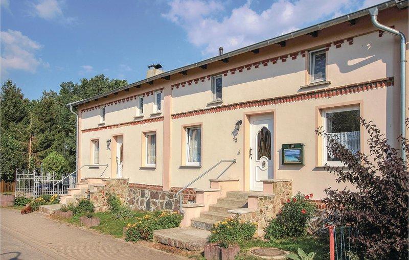 Nice home in Göhren-Lebbin OT U. with 3 Bedrooms (DMV236), Ferienwohnung in Untergöhren