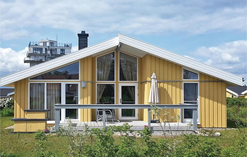 Awesome home in Rechlin with Sauna and 2 Bedrooms (DMV773), location de vacances à Vipperow
