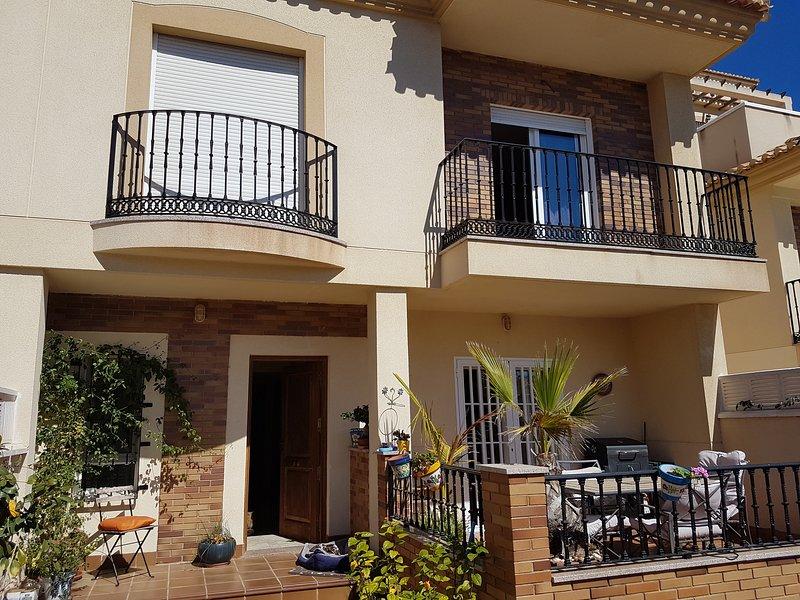 Casa bonita en la costa, Beautiful house on south coast, Ferienwohnung in Roquetas de Mar