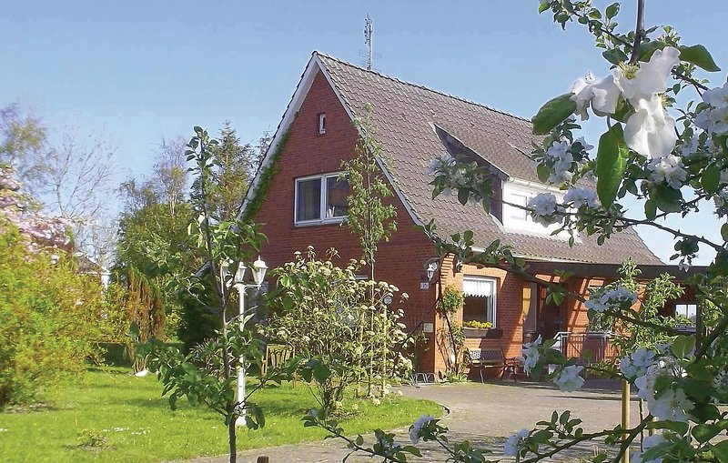 Beautiful home in Balje with WiFi and 3 Bedrooms (DNS164), holiday rental in Balje