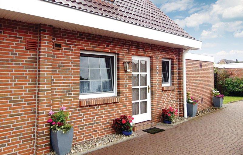 Stunning home in Wittmund/Altfunnixsiel with 2 Bedrooms (DNS143), location de vacances à Neuharlingersiel