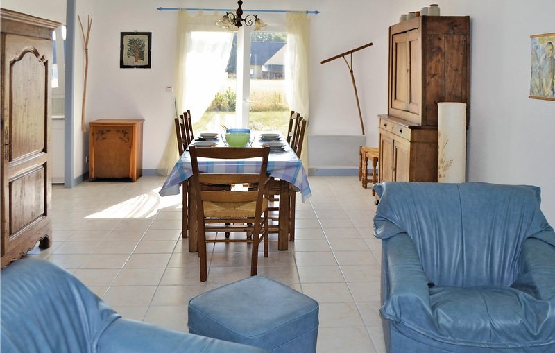 Beautiful home in Clohars Carnoet with 3 Bedrooms (FBF368), holiday rental in Quimperle