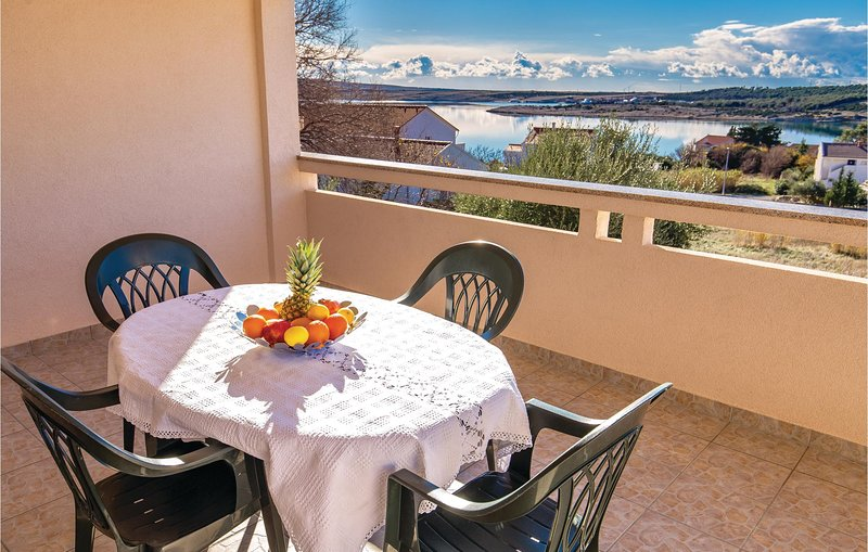 Awesome home in Caska with WiFi and 2 Bedrooms (CKP845), location de vacances à Caska