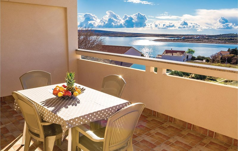 Awesome home in Caska with WiFi and 2 Bedrooms (CKP847), location de vacances à Caska