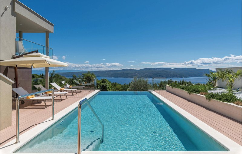 Beautiful home in Plomin with Jacuzzi, WiFi and 1 Bedrooms (CIO227), vacation rental in Porozina