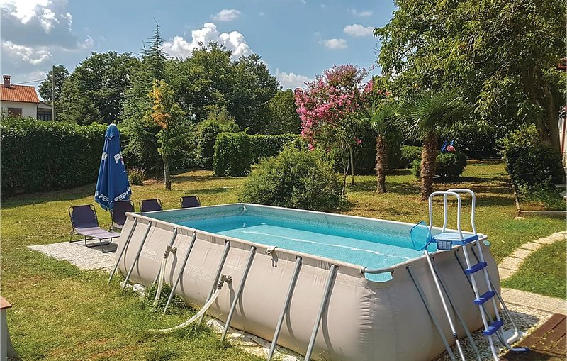 Beautiful home in Barban with WiFi and 4 Bedrooms (CIC245), location de vacances à Prhati