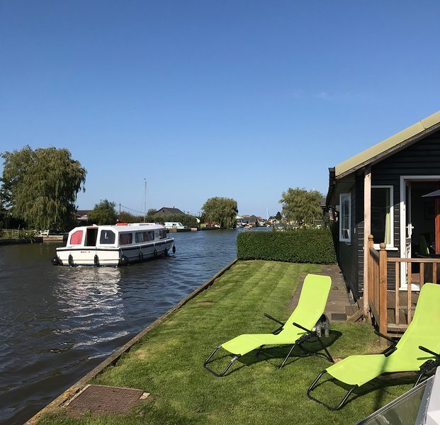 NorfolkBroads-LittleHaven, holiday rental in Ludham