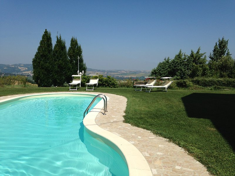 Panoramic Villa Italy just few minutes drive from the beach, vacation rental in Borgo Pace