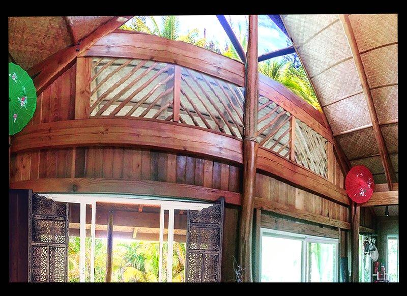 Casa by the Sea! 6PEOPLE LOCATED IN HAWAIIAN PARADISE PARK. 5 MIN WALK OT OCEAN!, holiday rental in Hilo