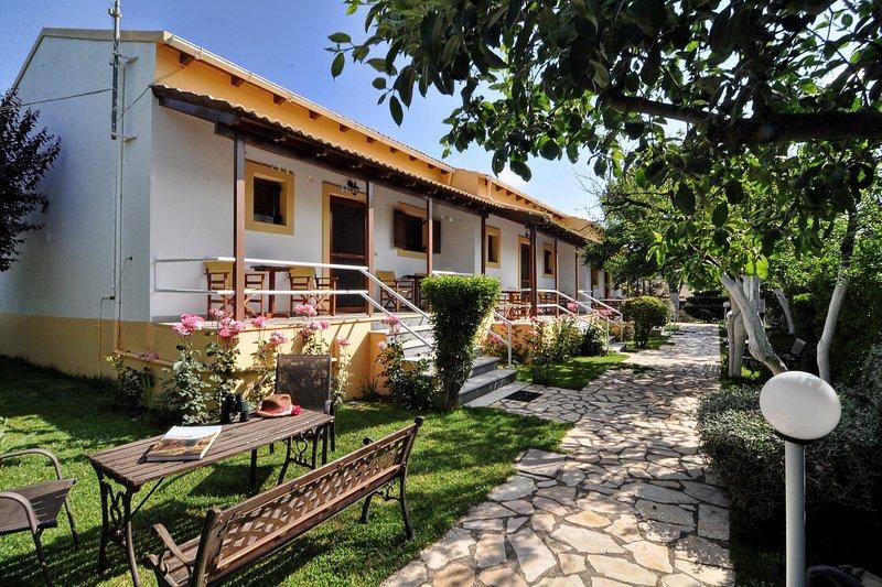 Skafonas No3 - Apartments Pelekas, Corfu, holiday rental in Kalafationes