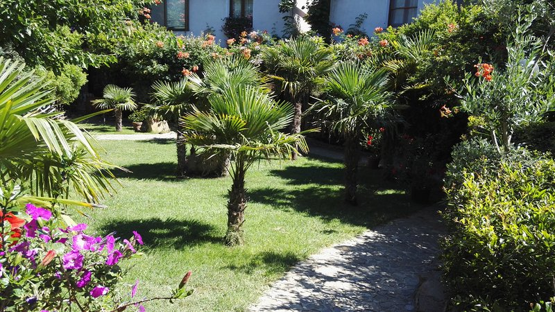 Residence l'Ulivo Trilocale a Tanaunella, holiday rental in Limpiddu