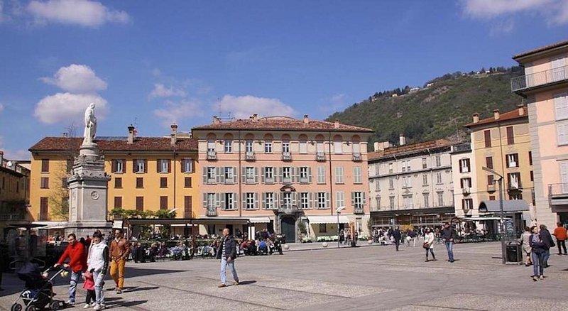 CASAVACANZE VOLTA COMO, holiday rental in San Fermo della Battaglia