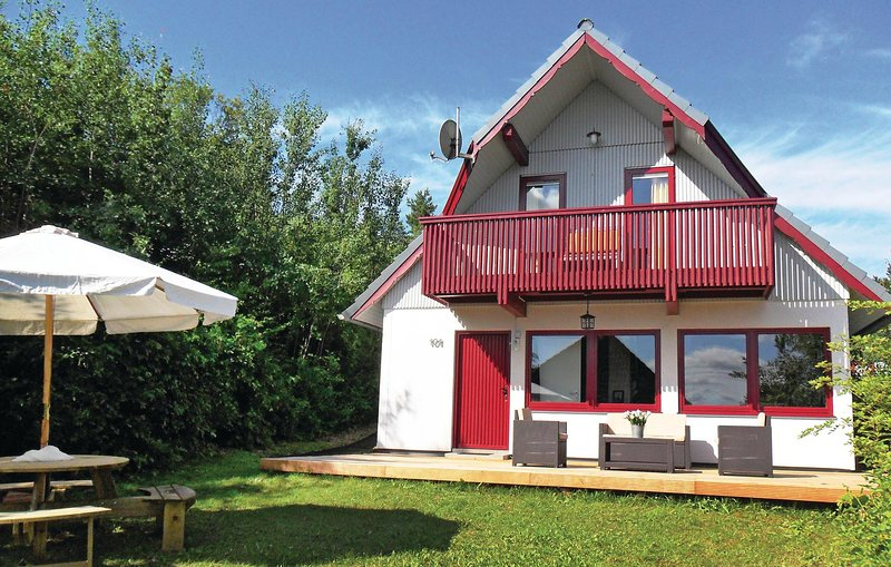 Awesome home in Kirchheim with 3 Bedrooms (DHE160), holiday rental in Schlitz
