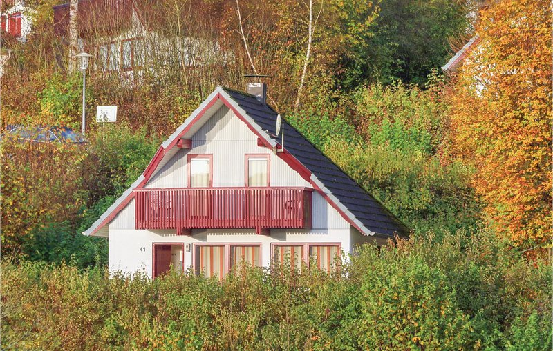 Amazing home in Kirchheim/Hessen with 3 Bedrooms (DHE187), aluguéis de temporada em Tann