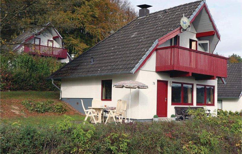 Stunning home in Kirchheim with 3 Bedrooms (DHE189), aluguéis de temporada em Tann