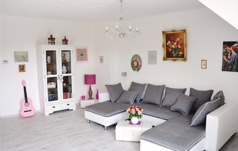 Stunning home in Eschwege with WiFi and 3 Bedrooms (DHE204), aluguéis de temporada em Eschwege